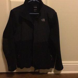 Like new boys XL(18/20) North Face Denali jacket